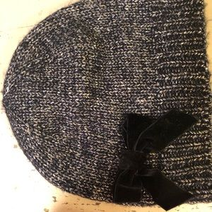 Kate spade black and silver hat and mitt set